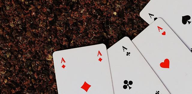 ポーカーの遊び方・ルール完全ガイド